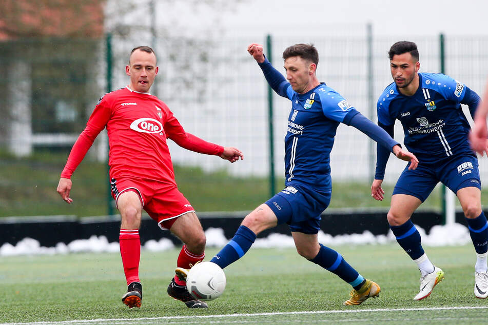 Former CFC player Timo Mauer (left) defeated his former club with a Meuselwitz jersey.  Here he is pictured with Okan Adel Kurt (right) and Christian Bickle (center), who had a good chance to equalize in the 32nd minute.