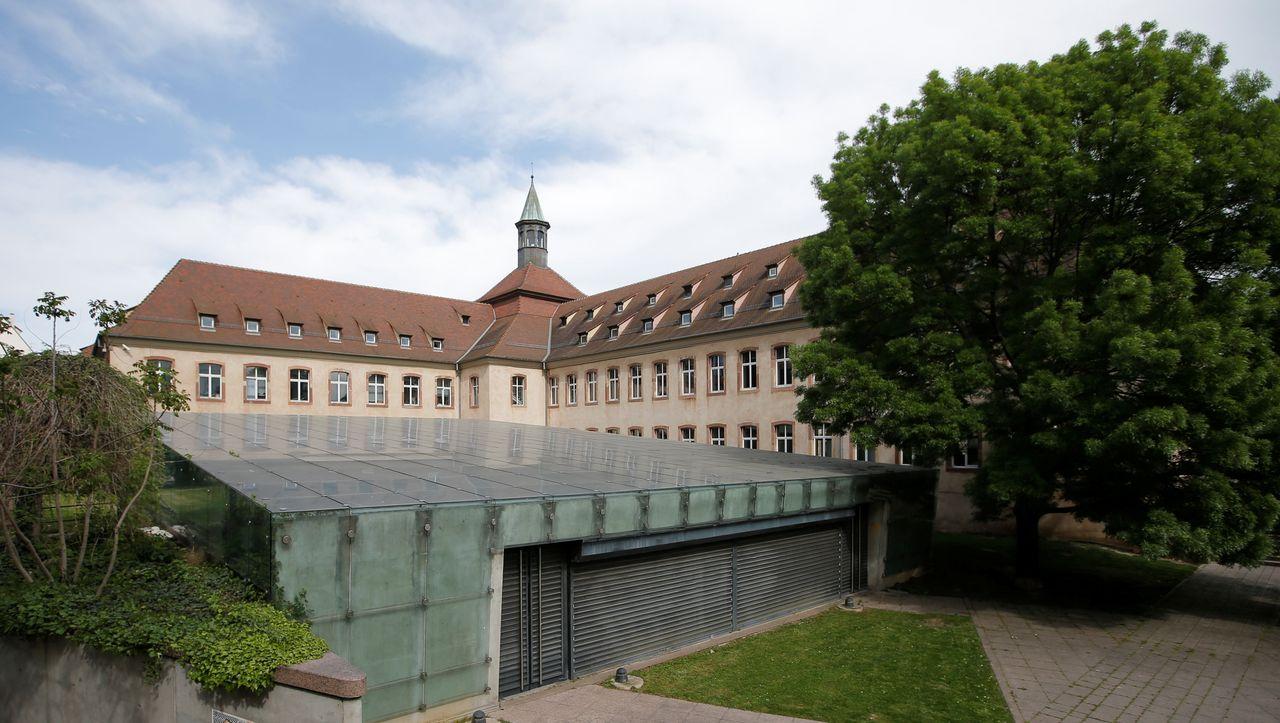 National School of Administration: Emmanuel Macron dissolves the elite French university of Enna