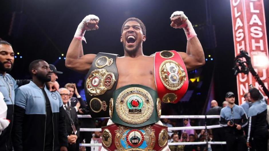 Anthony Joshua wants to defend his boxing belt as well as the Fury World Title.