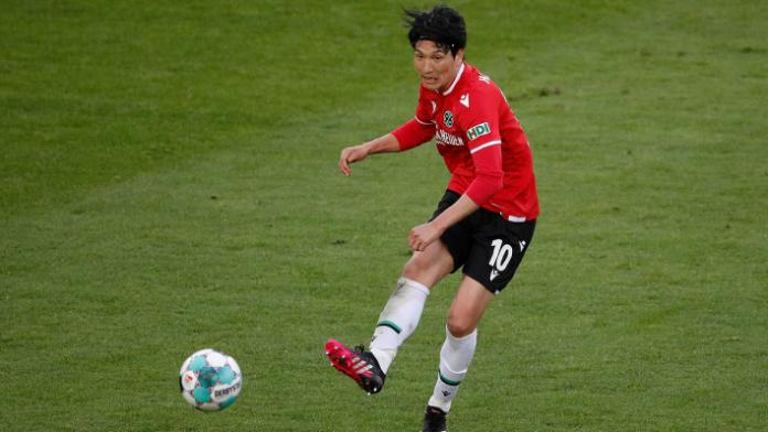 Genki Haraguchi in einem Spiel für Hannover 96. Quelle: imago images/Joachim Sielski