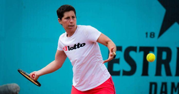 Carla Suarez-Navarro returns to Paris after being diagnosed with cancer