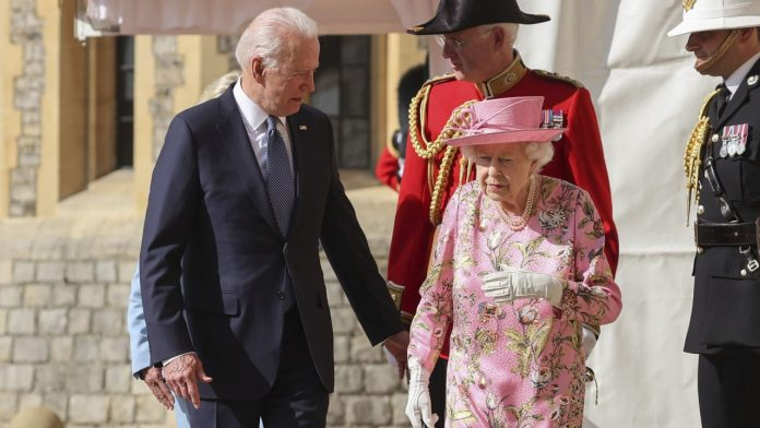 Joe Biden after visiting the royal family - 'The Queen reminded me of my mother' - Politics Abroad