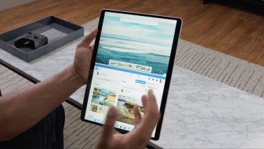 Arrange the windows with the screen orientation horizontal.