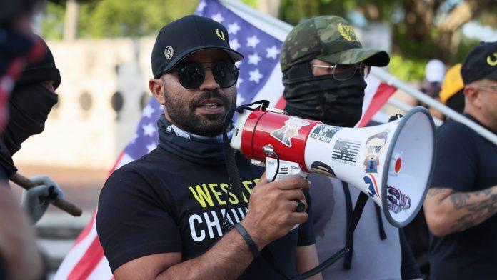 Bankruptcy after Capitol Storm: 'Proud Boys' president sells 'Black Lives Matter' T-shirts