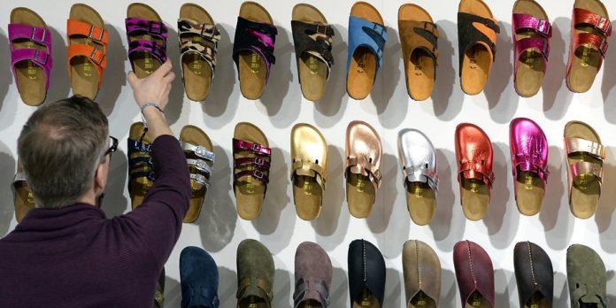 Birkenstock remembers Mogami children's shoes
