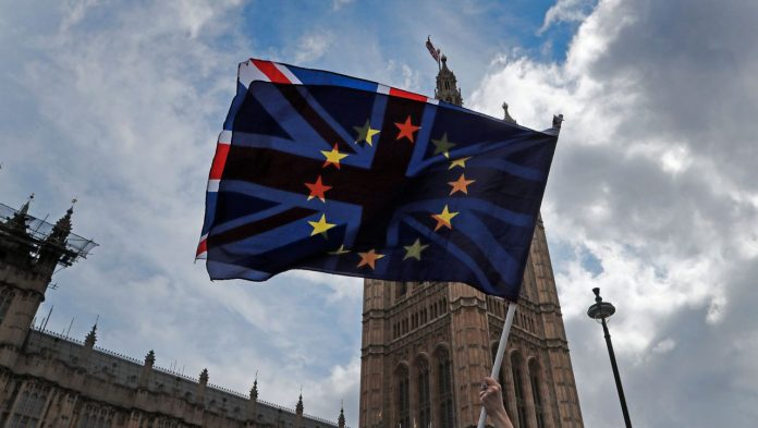 Brexit deadline expires: EU citizens who do not have a request for deportation from Great Britain are exposed يتعرض