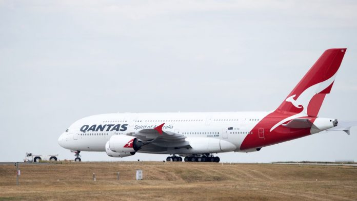 Coronavirus: Qantas Airlines plans to reward people who have been vaccinated
