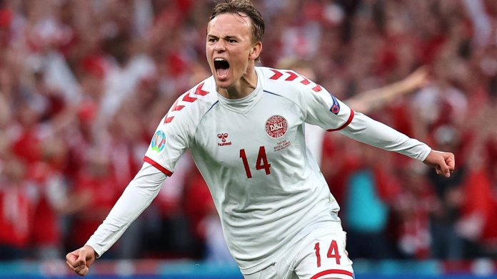 Denmark creates a miracle in the Round of 16 against Russia
