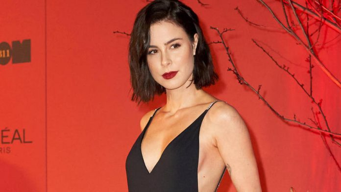 Lena Meyer Landrut has responded to the singer's allegations of stealing the cover