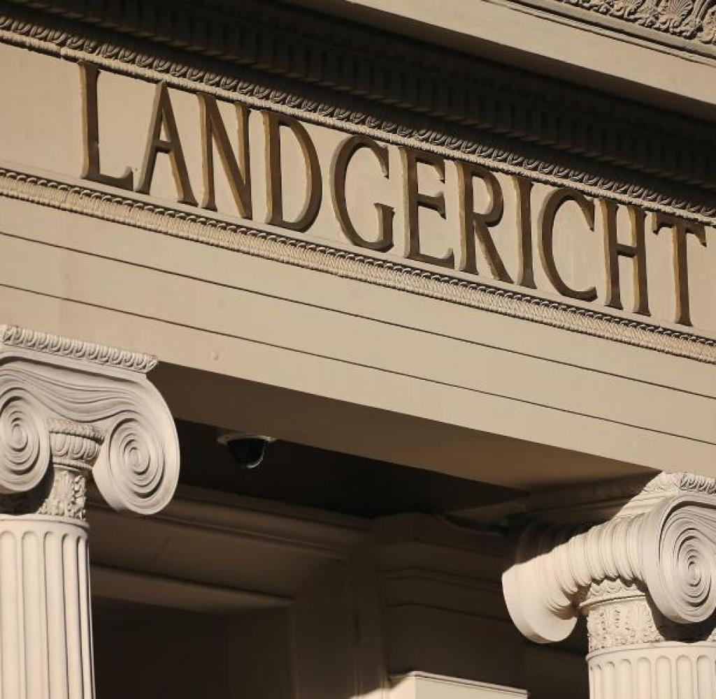 The Regional Court in Bonn ruled in a case against a former employee of the private bank MM Warburg of Hamburg