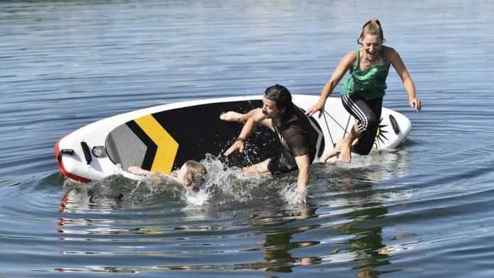 Stephanie Hertel: Here the singer goes swimming - people