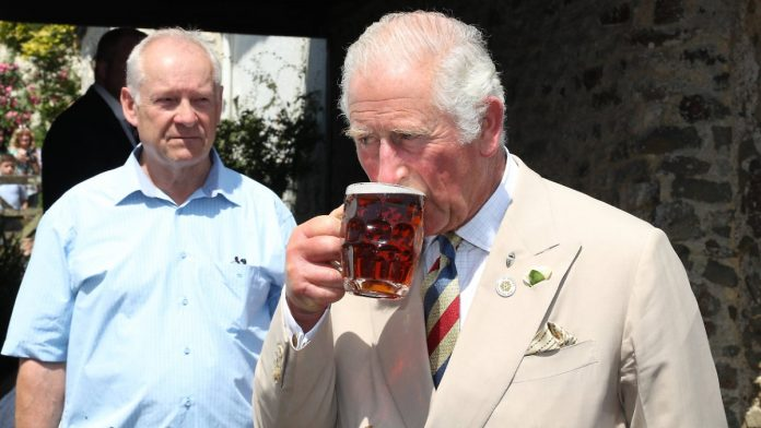 Pub Detour: Prince Charles has a beer
