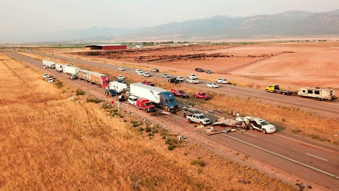 Eight dead in Utah: sandstorm leads to overcrowding