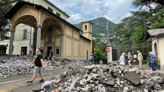 Storm in Italy: Towns on Lake Como hit by mudslides and floods