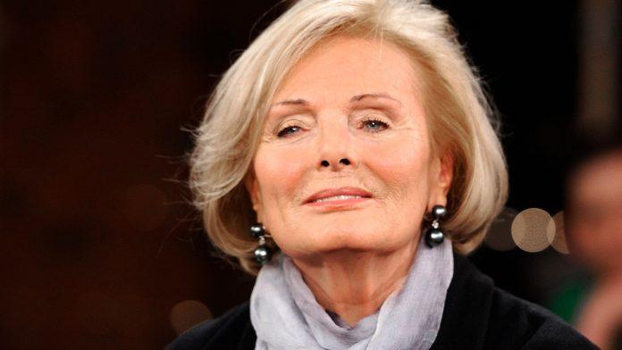 Federal President congratulates Ruth Maria Kubitschek on her 90th birthday.