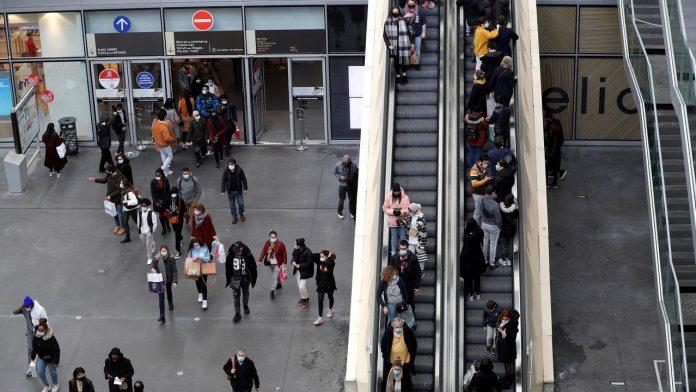 Health card: Malls fear 'huge trouble'