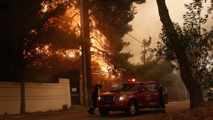 Heat, drought and wind: more than 50 fires in Greece