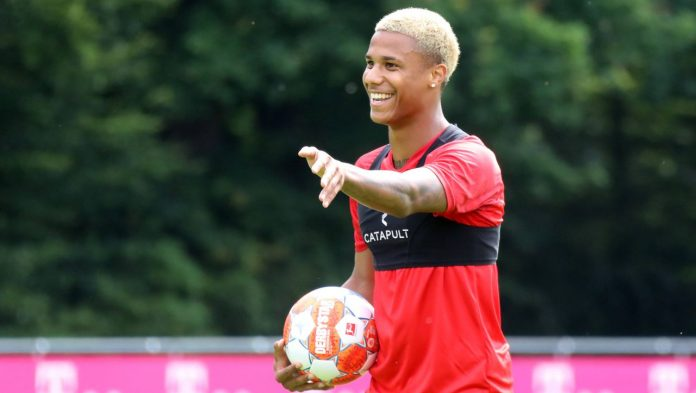 Ismael Jacobs from 1. FC Cologne to Monaco, Mitchell Packer from Paris Saint-Germain to Bayer Leverkusen