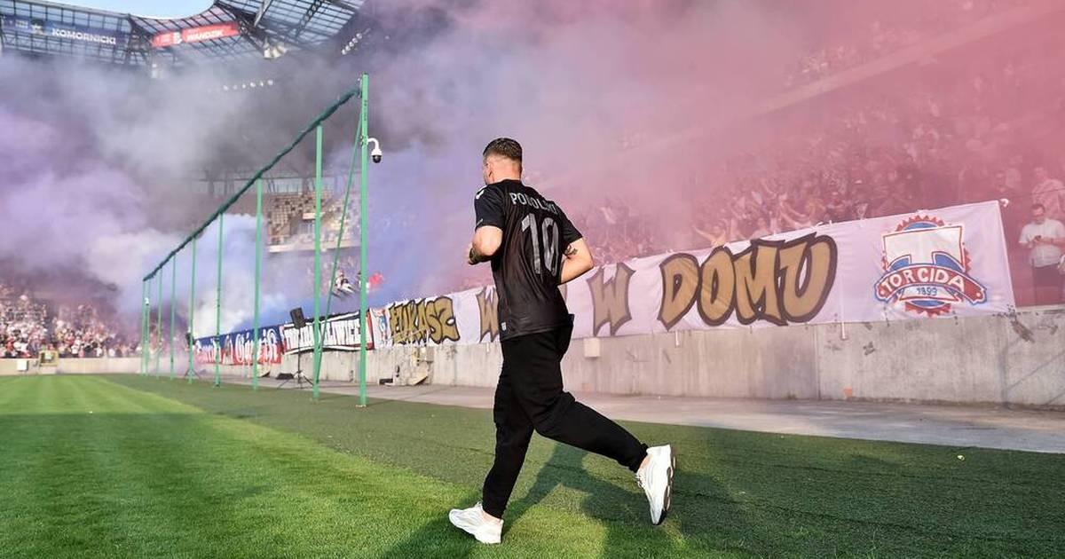 Lukas Podolski was introduced to Gornik Zabrze