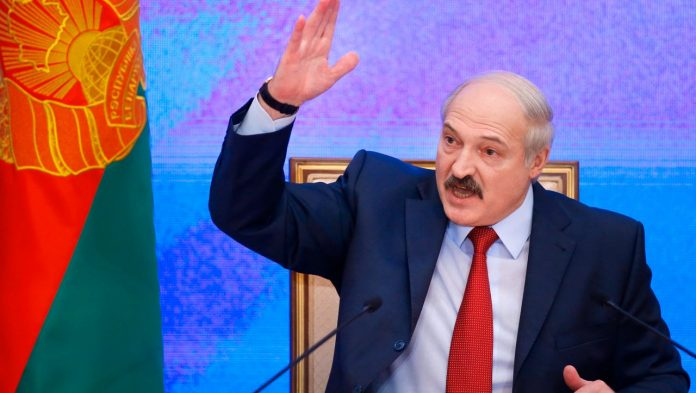 The United States bans air travel between the United States and Belarus