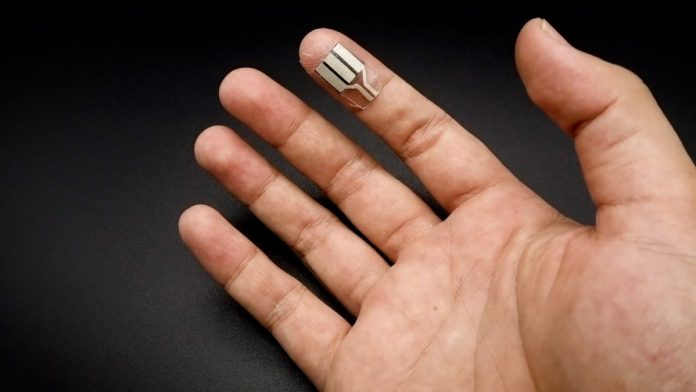 Tiny fuel cells generate energy from the sweat of your fingers - even while you sleep