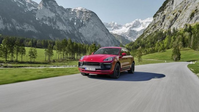 To bridge the gap: a facelift for the Porsche Macan: delivery from October