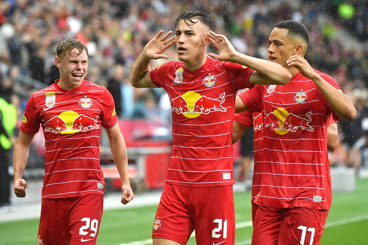 Greetings from Luca Suzyk (FC Red Bull Salzburg)
