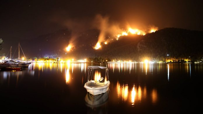 Expect More 'Difficult Days': Greece and Turkey Still Burning