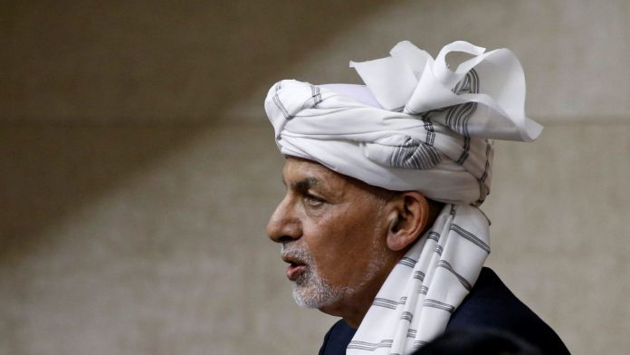 Afghan president fled - Taliban is about to seize power
