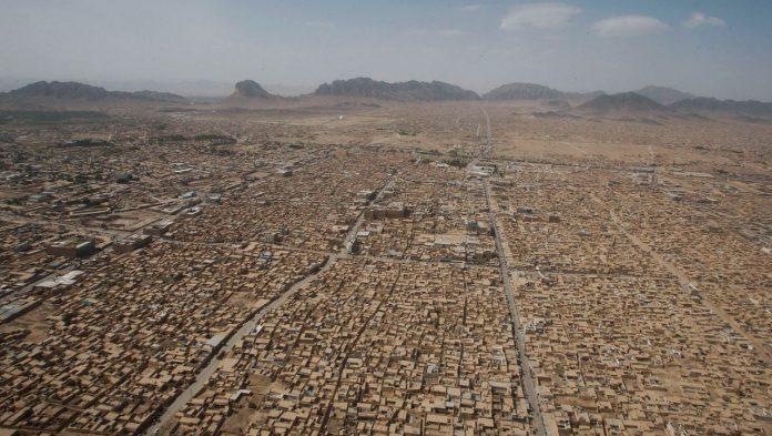 Afghanistan: Taliban missiles attack Kandahar airport