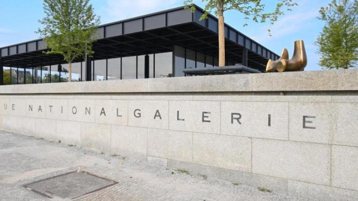 New National Gallery with exhibitions open to visitors