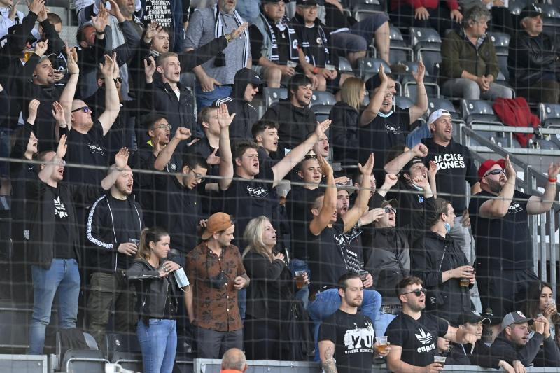 """<p></noscript> For the first time in ten months, fans were allowed back into the Cahrevex Stadium. </p> <p>""""/><figcaption>For the first time in ten months, fans were allowed back into Kehwexstadion.     Photo: David Hakeman</figcaption></figure> </p> <p>Although Anderlecht did not have a chance to score in the first 30 minutes, in the 16th minute Euben was dangerous: before Ngoy was denied by Vancrome Bruce, Harris moved the ball forward to the opponent.  The well-organized Juban came to the next opportunity in the 31st minute, this time N'Dri was dangerous. </p> <p><figure><figcaption>Photo: David Hakeman</figcaption></figure> </p> <p>Juban had chances, but the opponents scored: on their first chance, Anderlecht took the lead after 39 minutes.  Nuruddin was unwell after a shot from Amusu and let the ball slide down his body.  Raman made a slight """"nut"""" before rolling the ball over the line.  Like Bruges, Jupiter responded strongly to the goal: just seconds before the break, Cools scored to make it 1-1.  Von Crombroos had previously saved a provocative title before Cools equalized.</p> <!-- Quick Adsense WordPress Plugin: http://quickadsense.com/ --> <div class="""