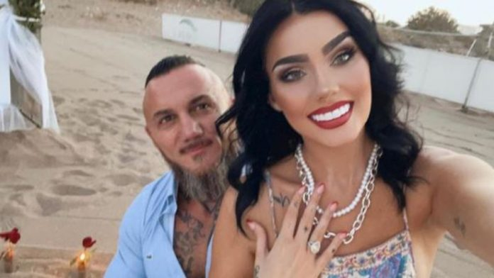 Model wants to marry a rocker: Natalie Falk is engaged again