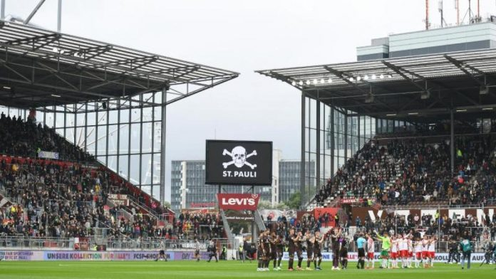 League Two: St. Pauli: 15,000 fans and 2G referee for the next home game