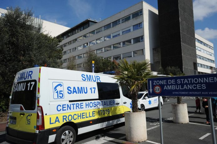 Vaccination commitment in La Rochelle hospital: suspension of five agents