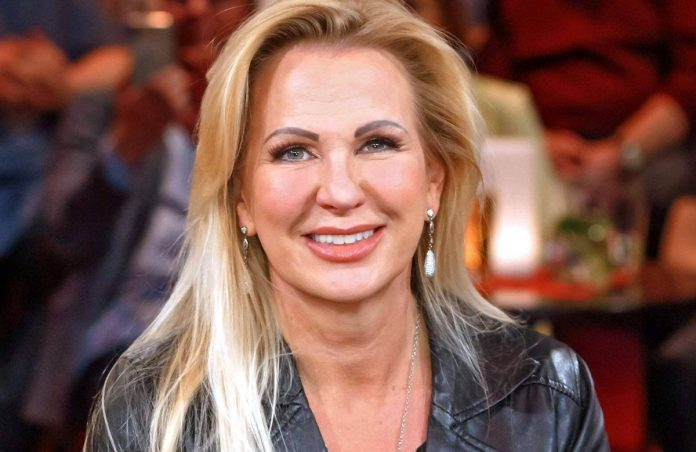 Claudia Norberg: After the breakup - he's her new friend