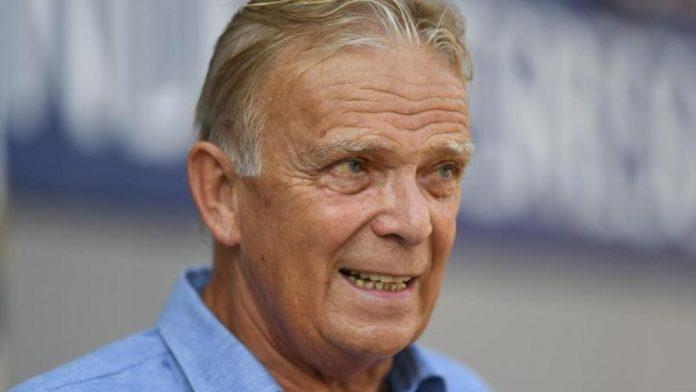 Bundesliga: Ex-Freiburg coach Finke bids farewell to the stadium: 'Emotional'