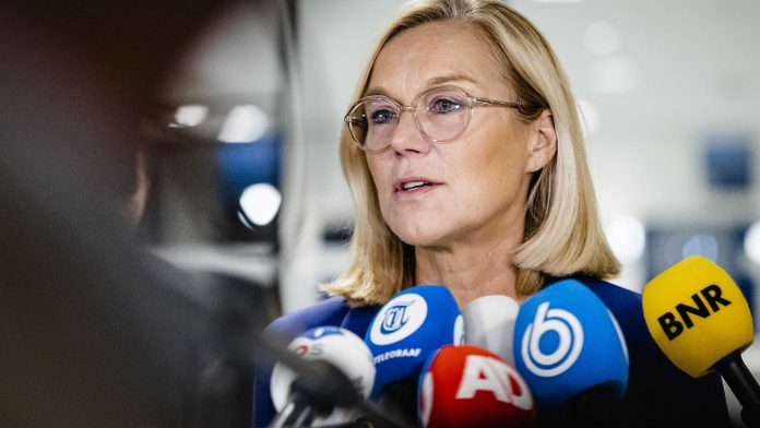 After the disaster in Afghanistan: the resignation of the Dutch foreign minister