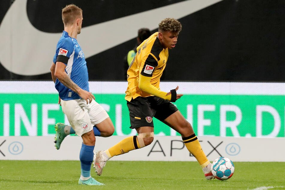 Ransford Königsdörffer (r.) is now also on the ball for the U21 selection.  The Dynamo talent celebrated its debut on Thursday.