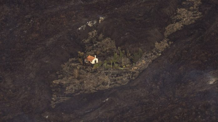 Volcano miracle in La Palma - lava escaped from this house - news abroad