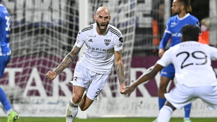 Scene on Kehrweg: Hyeres bumps into Eupen to the top of the table