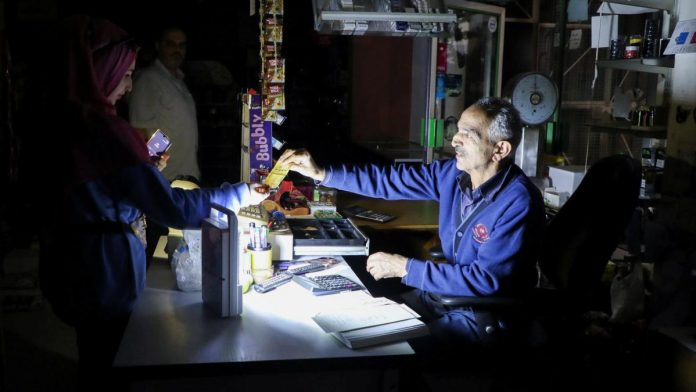 Oil shortage: Lebanon's state electricity company resumes operations
