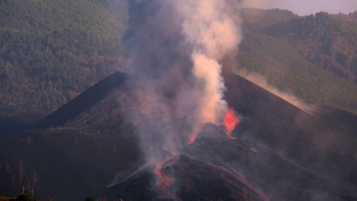 'Volcanic bombs' in La Palma: the next eruption on Cumber Vieja - 'ashes as far as the eye can see'