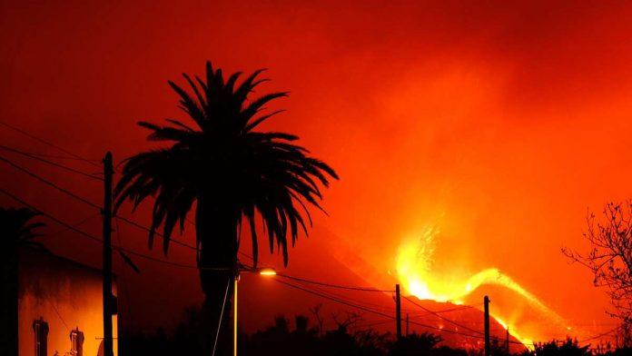 Volcanic eruption in La Palma: 'Massive devastation' - a massive lava flow clears the way