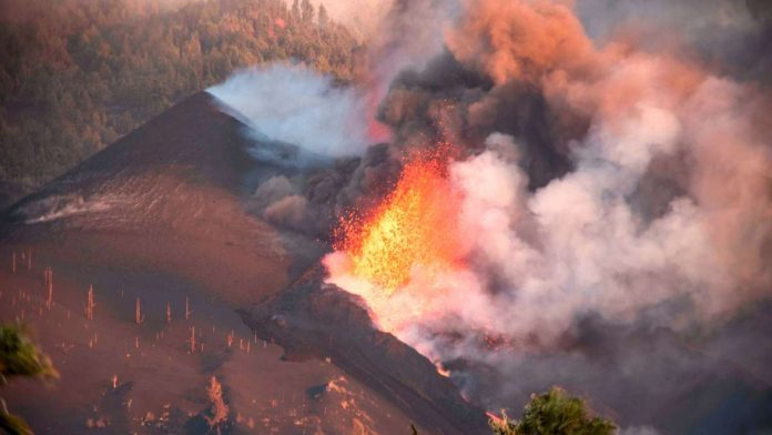 Volcanic eruption in La Palma: 'volcanic bombs' on Cumber Vieja - the next strong earthquake
